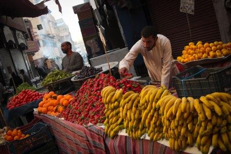 Fruit stall, Luxor, Egypt, Emilian Tsubaki 2017