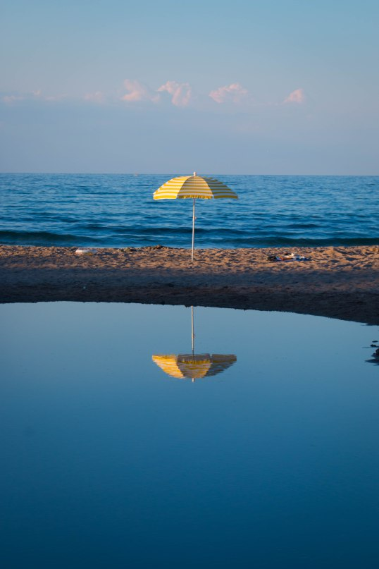Spieglein, Spieglein an dem Strand, Bulgaria, Emilian Tsubaki 2016